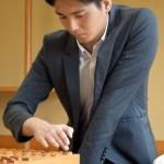 藤井七段、今期初黒星。。棋王戦・予選/決勝「都成五段、6度目の対戦で神童を撃破」